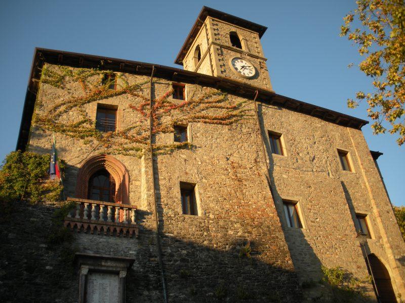 Castello di Corniglio, sede della Cooperativa 100 Laghi