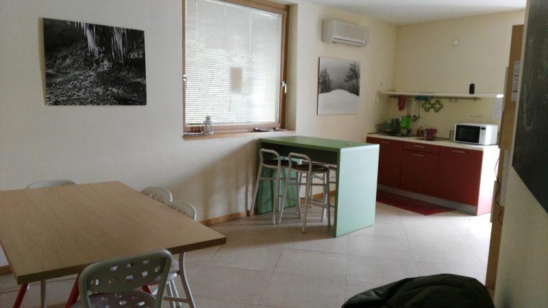 Ostello Cascina Cavalli, cucina - Cooperativa 100 Laghi 02