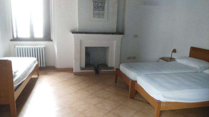 Ostello Castello di Corniglio, camera - Cooperativa 100 Laghi 01