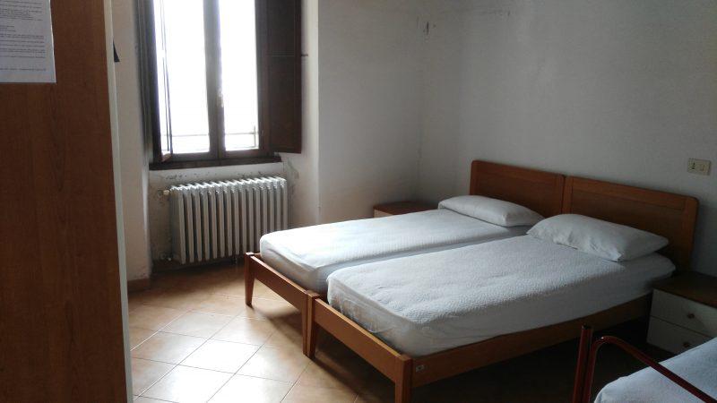 Ostello Castello di Corniglio, camera - Cooperativa 100 Laghi 02